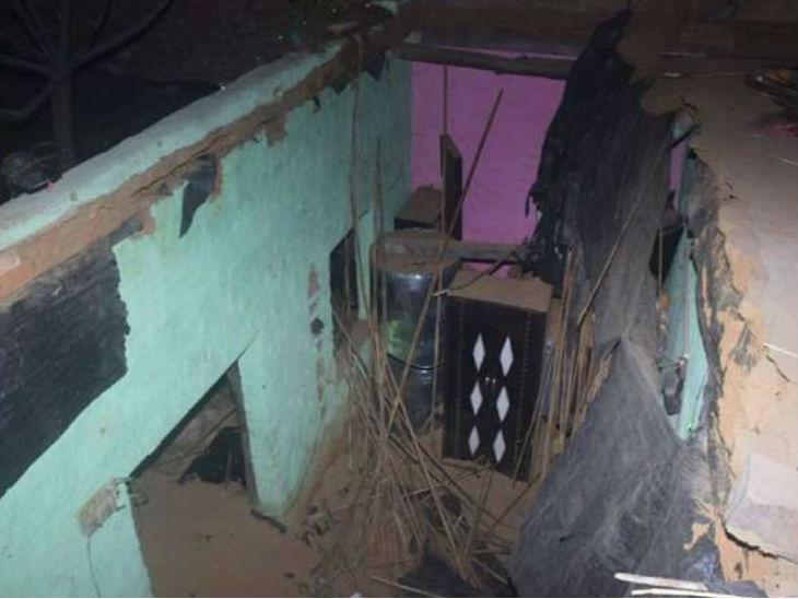 संभल में मकान की छत भरभराकर ढही, दो बच्चों समेत तीन की मौत, 10 घायल|मेरठ,Meerut - Dainik Bhaskar