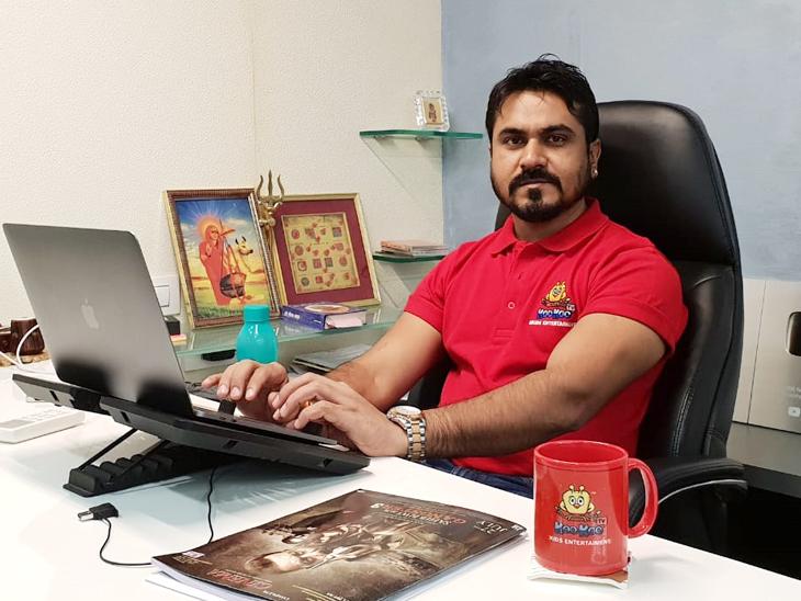 कभी फुटपाथ पर रहने वाले दुर्गाराम आज दो कंपनियों के मालिक हैं। जब 21 साल के थे, तब उन्हें काम का करीब 10 साल का अनुभव हो चुका था।