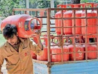 उपभोक्ताओं को इंडेन गैस सिलेंडर बुकिंग के लिए करना होगा कॉल या एसएमएस भभुआ,Bhabhua - Dainik Bhaskar