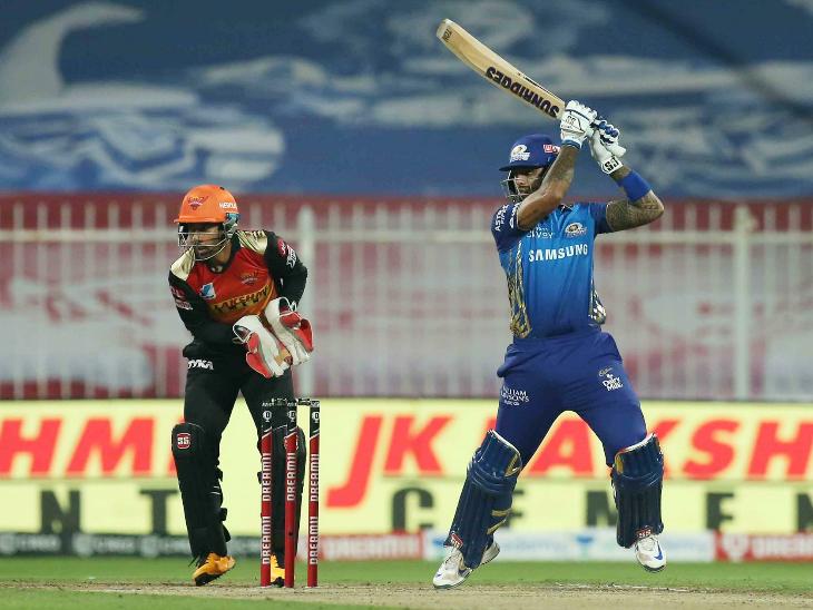 सूर्यकुमार यादव ने 29 बॉल पर 35 रन बनाए। उन्होंने लगातार तीसरे सीजन में 400+ स्कोर बनाया।