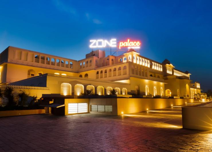 होटल जोन पैलेस, जहां नगर निगम हैरिटेज जयपुर से भाजपा के 42 पार्षदों को ठहराया गया है। यहां पहले 100 पार्षदों को भेजा गया था। फिर हारने वालों को वापस घर भेज दिया।