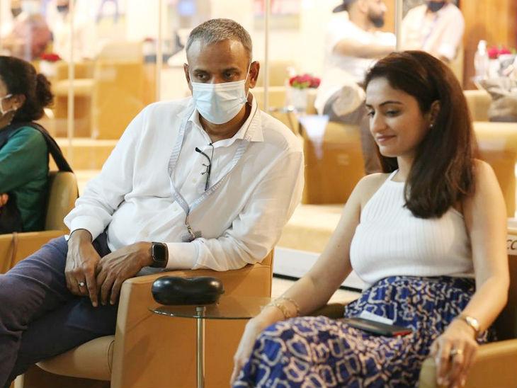 रिलायंस इंडस्ट्रीज लिमिटेड स्पोर्ट्स के कंसल्टेंट सुंदर रमन गेस्ट के साथ।