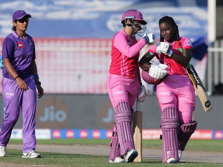 डिंड्रा डॉटिन और ऋचा घोष ने अपनी टीम को आसान जीत दिलाई।