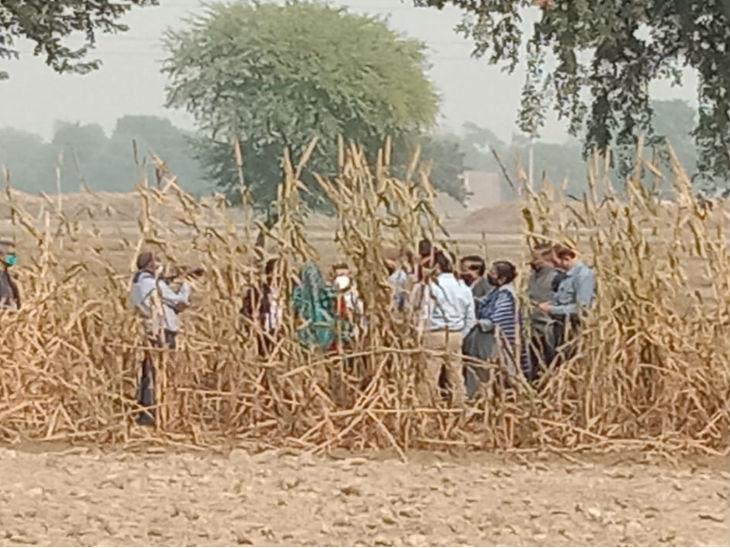 फॉरेंसिक टीम के साथ तीसरी बार वारदात स्थल पहुंची CBI; खेत में महिला सिपाही को लिटाया, मां से खिंचवाकर क्राइम सीन रिक्रिएट किया उत्तरप्रदेश,Uttar Pradesh - Dainik Bhaskar