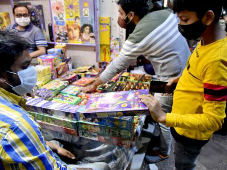 People shopping for green firecrackers in Delhi. This time many states have banned firecrackers.