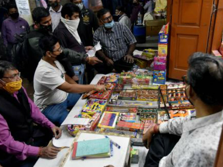 More than 70 percent of the annual production of firecrackers is sold only on the occasion of Diwali.