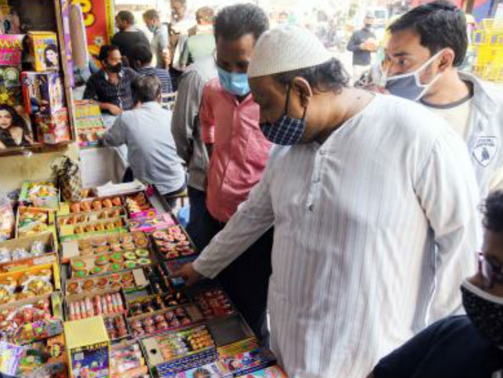 In 2018, the court directed to make green crackers, which meant that they emit at least 35% less than traditional firecrackers.