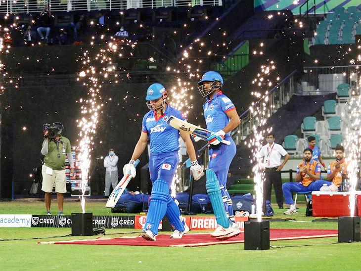 दिल्ली के लिए शिखर धवन और मार्कस स्टोइनिस ने 86 रन की ओपनिंग पार्टनरशिप की।
