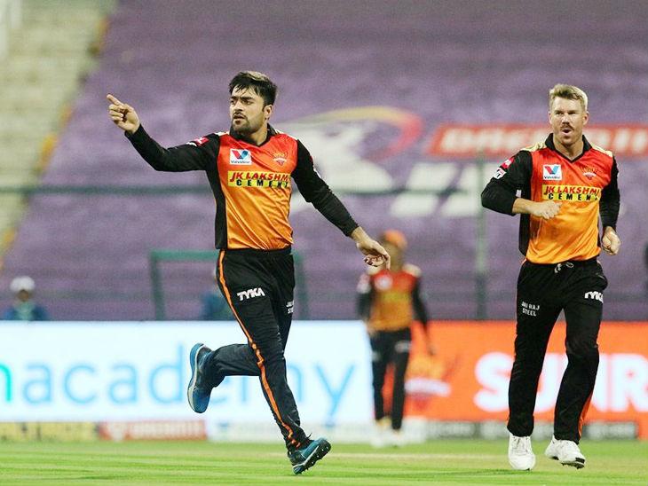 राशिद ने 4 ओवर में 26 रन देकर 1 विकेट लिया। बल्लेबाजी में 7 बॉल पर 11 रन भी बनाए।
