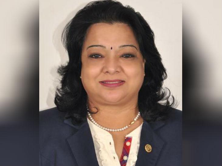 डॉ. रजनी डीमेलो पेशे से डॉक्टर हैं और राजधानी बाकू में इंडियन क्लिनिक नाम से अस्पताल चलाती हैं।