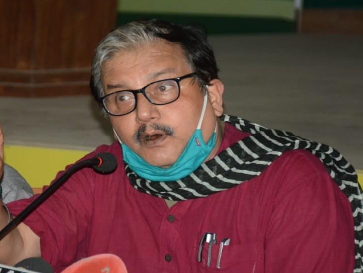मनोज झा ने नीतीश सरकार पर धीमी गति से मतगणना करवाने का आरोप लगाया है। - Dainik Bhaskar