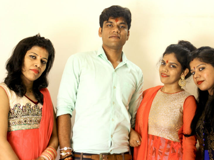 Amit Kumar with his sisters. He has 6 sisters and two brothers. Char is married by Amit.