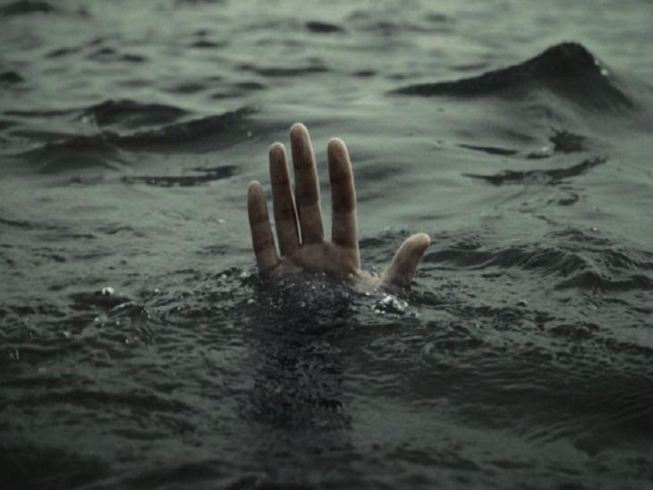 गया में एक युवक की आहर में डूबने से मौत हो गई। - Dainik Bhaskar
