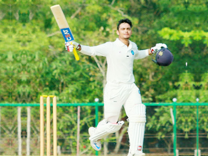 Ishaan was born in Patna, the capital of Bihar. He plays a first class match with the team from Jharkhand.