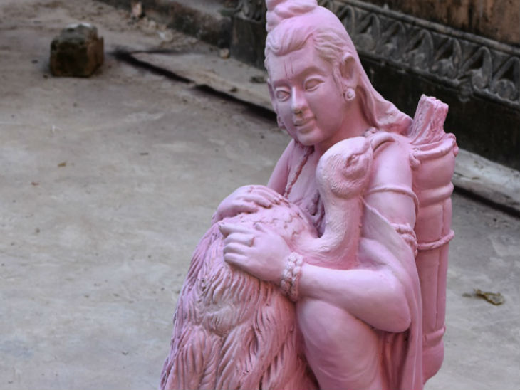 A nine-day camp was organized at the State Lalit Kala Academy of Kaiserbagh, Lucknow.  Where sculptors of different districts have carved thirty idols of Shri Ram.
