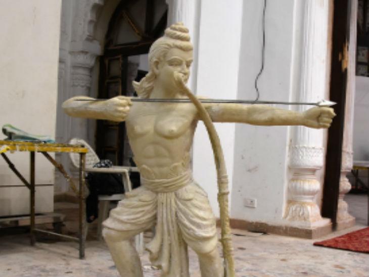 महिलाओं के सम्मान का भी सन्देश देंगी मूर्तियां।