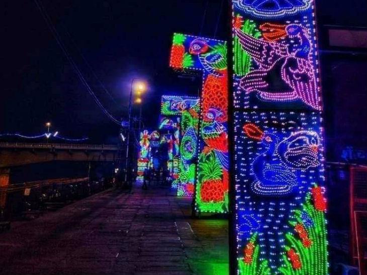 अयोध्या शहर को रंग बिरंगी लाइटों से सजाया गया है।