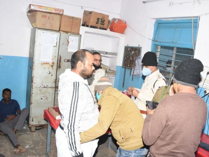 गिरफ्तारी के समय कांग्रेस नेता गज्जू सोनकर की फाइल फोटो