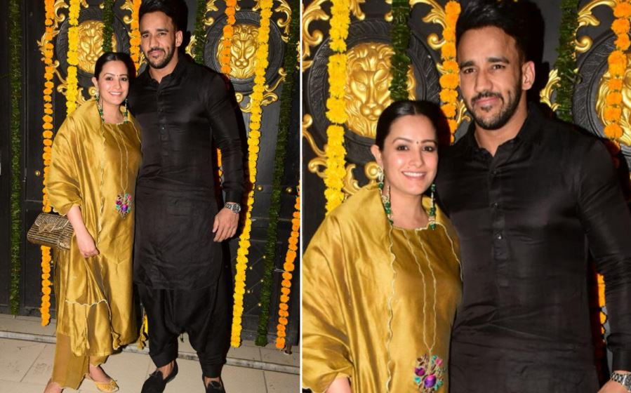 अनीता हसनंदानी पति रोहित रेड्डी के साथ दिखीं। अनीता मस्टर्ड कलर के सूट में तो रोहित ब्लैक पठानी सूट पहने दिखे। अनीता प्रेग्नेंट हैं और जल्द पहली बार मां बनने वाली हैं।