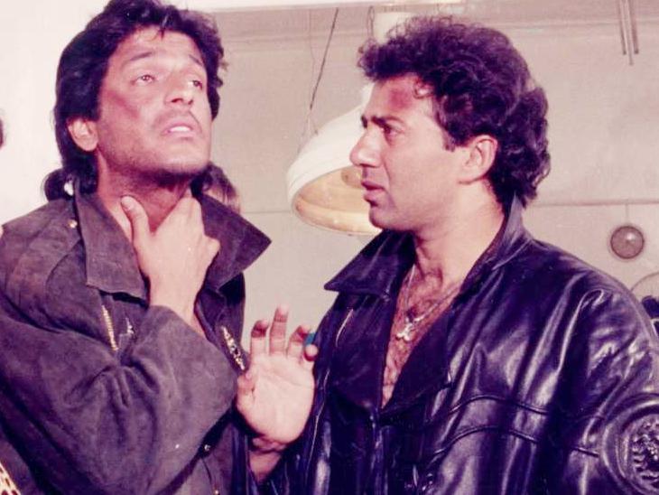 जब सनी देओल ने चंकी पांडे की विदेशी सिगरेट चुराकर फ्लाइट में बांट दी थीं, चंकी को आ गया था गुस्सा|बॉलीवुड,Bollywood - Dainik Bhaskar