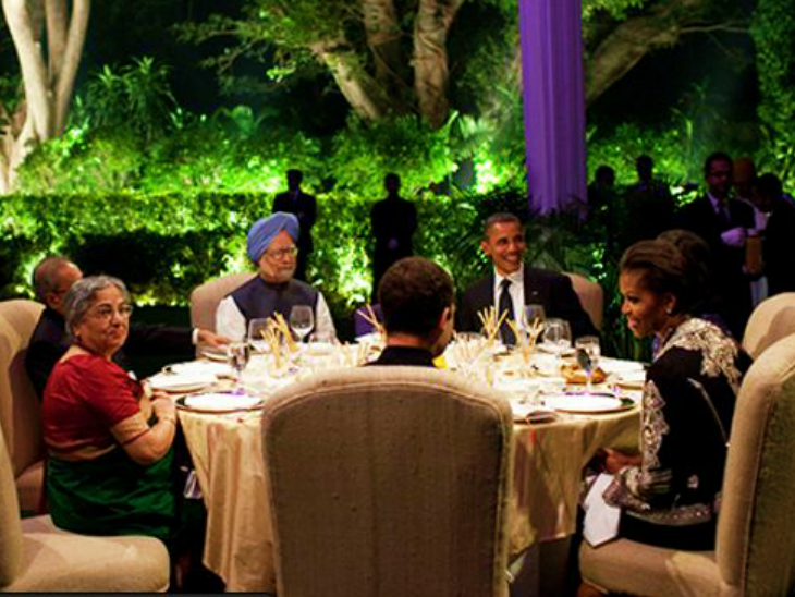ओबामा ने किताब में लिखा- सोनिया ने मनमोहन को चुना, क्योंकि वे राहुल के लिए खतरा नहीं थे|विदेश,International - Dainik Bhaskar