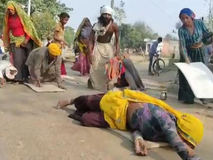 14 कोसी परिक्रमा से पहले राजस्थान से आए गुर्जर समाज के 600 श्रद्धालु, अयोध्या धाम की दंडवती परिक्रमा की लखनऊ,Lucknow - Dainik Bhaskar