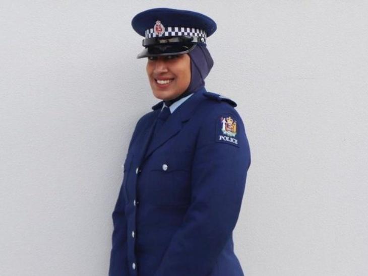 न्यूजीलैंड की ज़िना अली पुलिस यूनिफाॅर्म के साथ हिजाब पहनने वाली पहली महिला बनीं, वे मुस्लिम महिलाओं को इस क्षेत्र में लाना चाहती हैं|लाइफस्टाइल,Lifestyle - Dainik Bhaskar