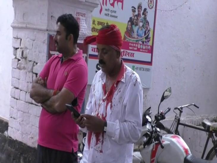 वाराणसी में ठगी के आरोपी को पकड़ने पहुंची थी टीम, आरक्षी और सब इंस्पेक्टर घायल; सर्विस रिवॉल्वर छीनने की कोशिश|वाराणसी,Varanasi - Dainik Bhaskar