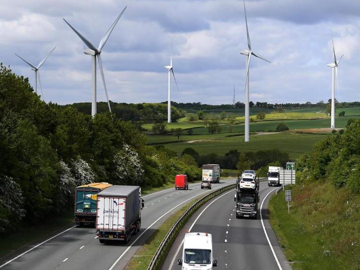 ब्रिटेन में 2030 से नहीं बिकेगी नई पेट्रोल-डीजल कार और वैन, सरकार ने लगाई रोक, हाइब्रिड व्हीकल 2035 तक बिक सकेगी|बिजनेस,Business - Dainik Bhaskar