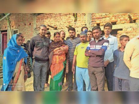एक मां ने नवजात बच्ची को सड़क पर फेंका, दूसरे ने आंचल की छांव दी|औरंगाबाद (बिहार),Aurangabad (Bihar) - Dainik Bhaskar