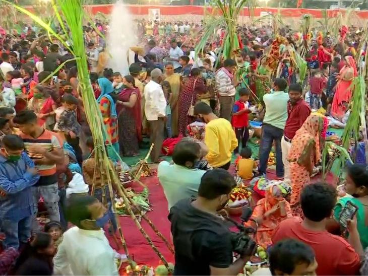 मुंबई के कुर्ला में छठ पूजा।