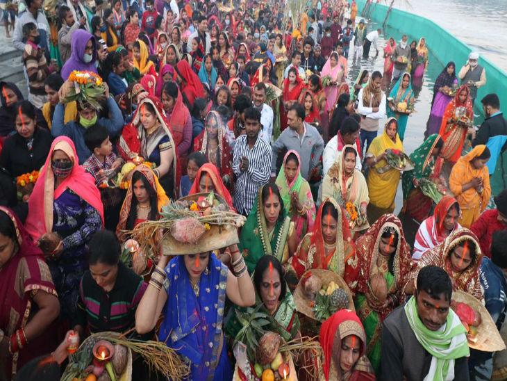 Faith at the ghats during Chhath Mahaparva.