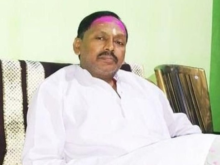 उग्रवादी हमले पर BJP ने कहा- हेमंत सोरेन बजा रहे थे बांसुरी, छठ घाट पर नक्सली कर रहे थे अपनी ड्यूटी|झारखंड,Jharkhand - Dainik Bhaskar