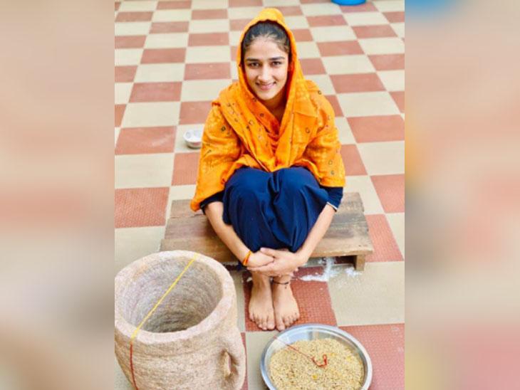 Sangeeta Phogat during Ban Ki Ritual in village Balali of Charkhi Dadri.