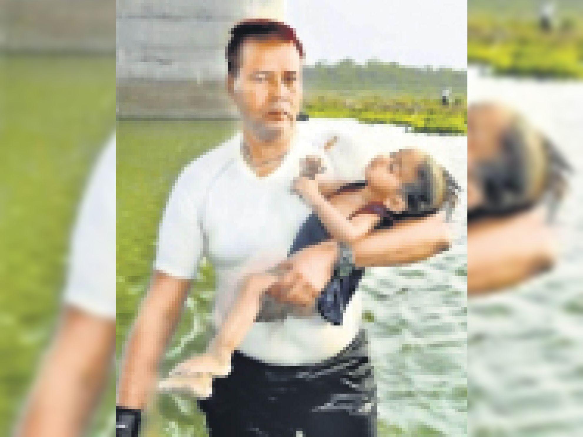 2 साल की मासूम को चंबल में फेककर मार डाला था कलयुगी पिता ने।