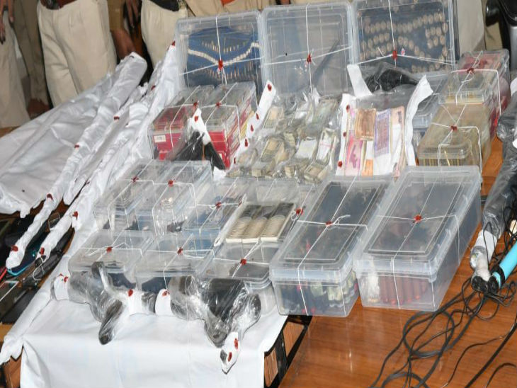 सात नवंबर को गज्जू के घर से जब्त हथियार की फाइल फोटो
