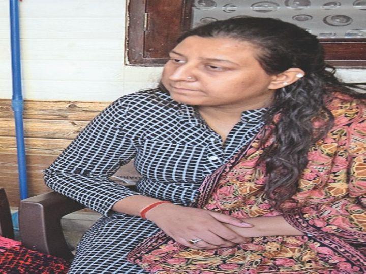 रीश शर्मा की पार्षद बेटी ने गंभीर आरोप लगाए हैं, जिनकी उच्च स्तरीय जांच का क्रम जारी है।