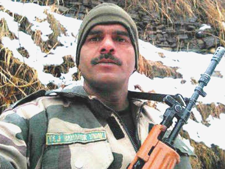 अनुशासनहीनता के चलते BSF ने कॉन्स्टेबल तेज बहादुर को बर्खास्त कर दिया था। - Dainik Bhaskar