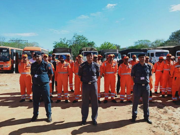 निवार को देखते हुए NDRF ने तमिलनाडु, पुडुचेरी और आंध्र प्रदेश में 30 टीमों को तैनात किया है।