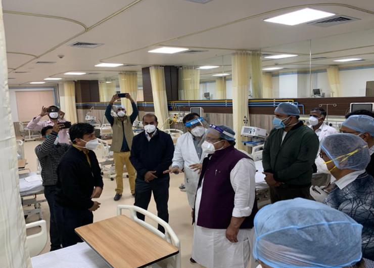 जयपुर में एक ही दिन में मिले रिकॉर्ड 656 पॉजिटिव; संक्रमित चिकित्सा मंत्री ने वार्डों का दौरा किया|जयपुर,Jaipur - Dainik Bhaskar