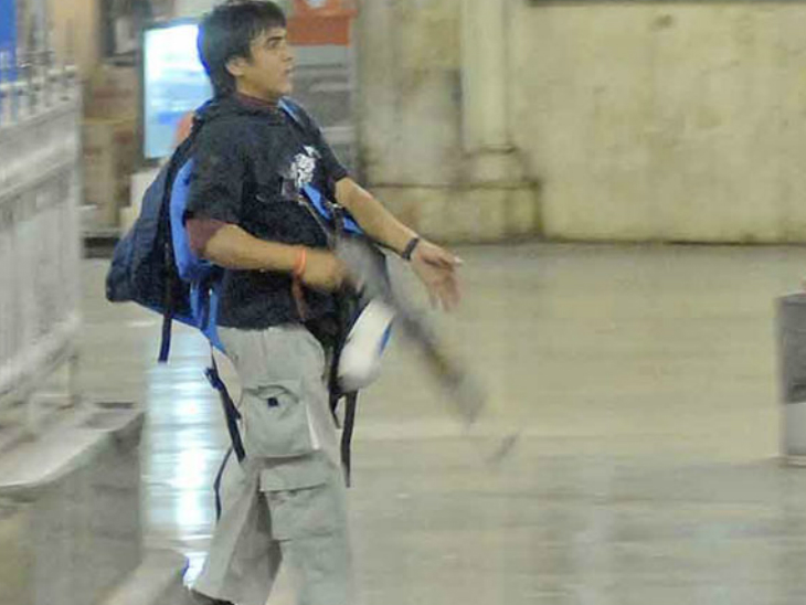 कसाब एकमात्र आतंकी था, जो जिंदा पकड़ा गया था। उसे 21 नवंबर 2013 को पुणे की यरवदा जेल में फांसी दे दी गई थी।