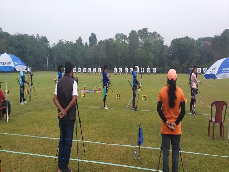 ओलिंपिक केे लिए चल रहे कैंप में  4-4 तीरंदाजों को शामिल करने के लिए जमशेदपुर में ट्रायल का आयोजन किया जा रहा है। ओलिंपिक के लिए संभावित तीरंदाजों का कैंप पूणे मे चल रहा है। जिसमें 8-8 पुरुष और महिला तीरंदाज शामिल हैं। - Dainik Bhaskar
