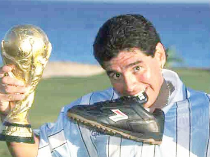 मैराडोना ने अपने करियर में 4 वर्ल्ड कप खेले और 1 वर्ल्ड कप (1986) जीता।