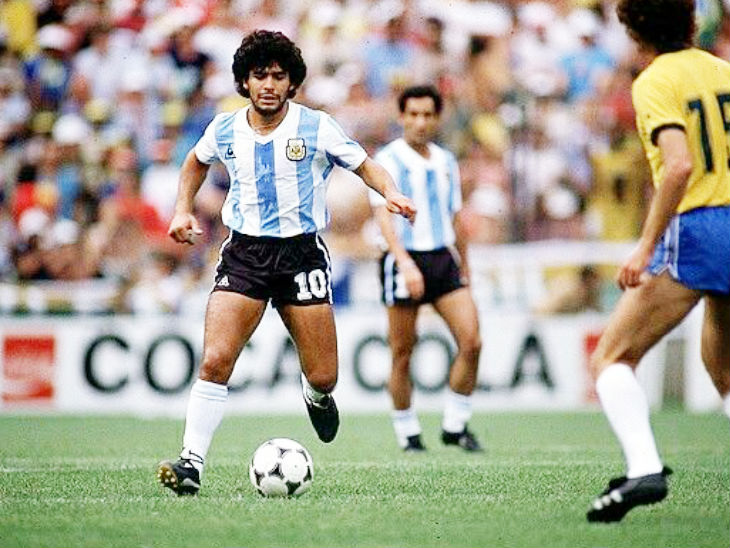 1982 वर्ल्ड कप में मैराडोना की टीम अर्जेंटीना ब्राजील से हारकर दूसरे राउंड से बाहर हो गई थी।