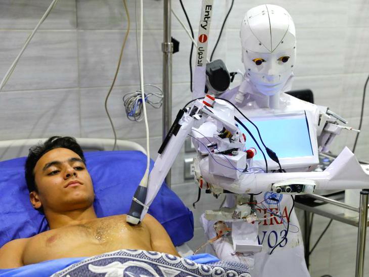 रोबोट से कोरोना की जांच कराने की तैयारी, यह ECG और ब्लड टेस्ट भी करता है; मास्क न पहनने पर टोकता है|लाइफ & साइंस,Happy Life - Dainik Bhaskar