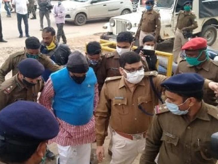 राजद प्रमुख लालू यादव द्वारा एनडीए विधायकों को फोन कर प्रलोभन देने के मामले में बिहार से झारखंड तक हंगामा बढ़ गया है। - Dainik Bhaskar