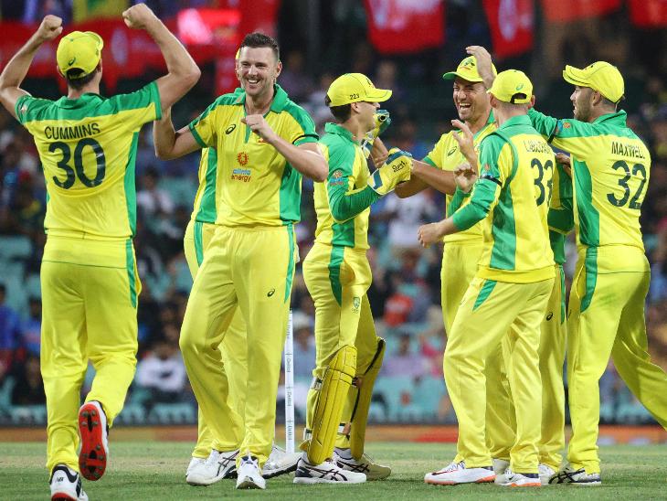 जोश हेजलवुड ने मैच में 3 विकेट लिए। मयंक अग्रवाल (22), श्रेयस अय्यर (2) और कप्तान कोहली (21) के रूप में उन्होंने शुरुआती 3 विकेट लिए।