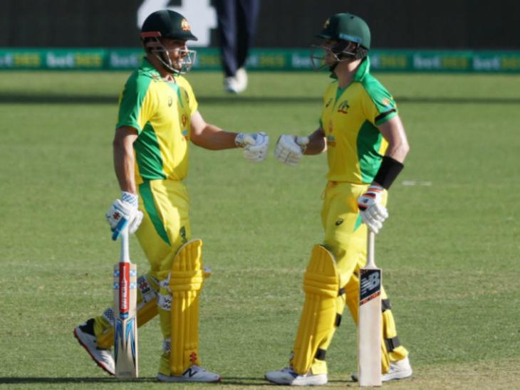 एरॉन फिंच ने स्टीव स्मिथ के साथ दूसरे विकेट के लिए 108 रन की पार्टनरशिप कर टीम को बड़े स्कोर तक पहुंचाया। - Dainik Bhaskar