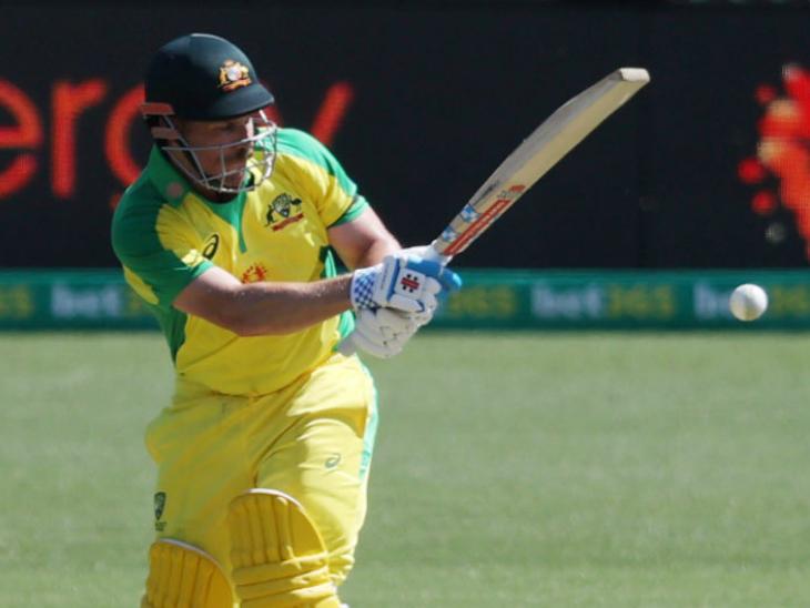 ऑस्ट्रेलियाई कप्तान फिंच ने वनडे करियर में 5 हजार रन पूरे कर लिए। वे सबसे तेज 126 पारी में यह रिकॉर्ड बनाने वाले दूसरे ऑस्ट्रेलियाई प्लेयर हैं।