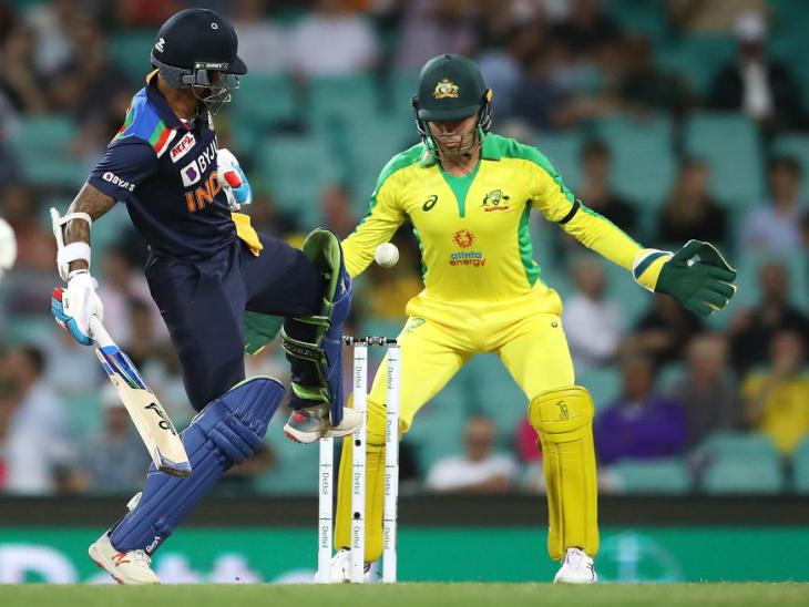 ओपनर शिखर धवन ने IPL की अपनी शानदार फॉर्म यहां भी जारी रखी और 10 चौके जड़े।